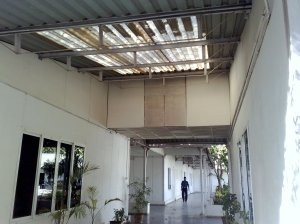 The passage between gym and conference hall at NID PG Campus
